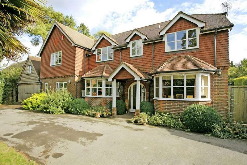 5 Bedrooms Detached House for sale in South Drive, Littleton, Winchester, Hampshire
