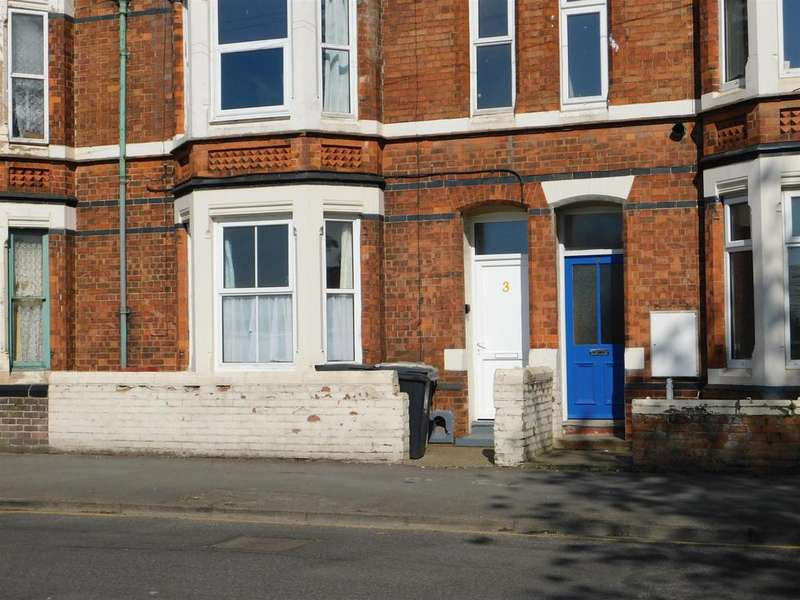 2 Bedrooms Ground Flat for sale in Drummond Road, Skegness, Lincs, PE25 3EB