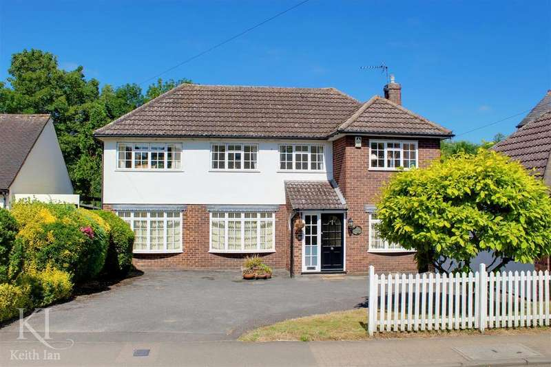 4 Bedrooms Detached House for sale in Stanstead Abbotts - Chain Free!