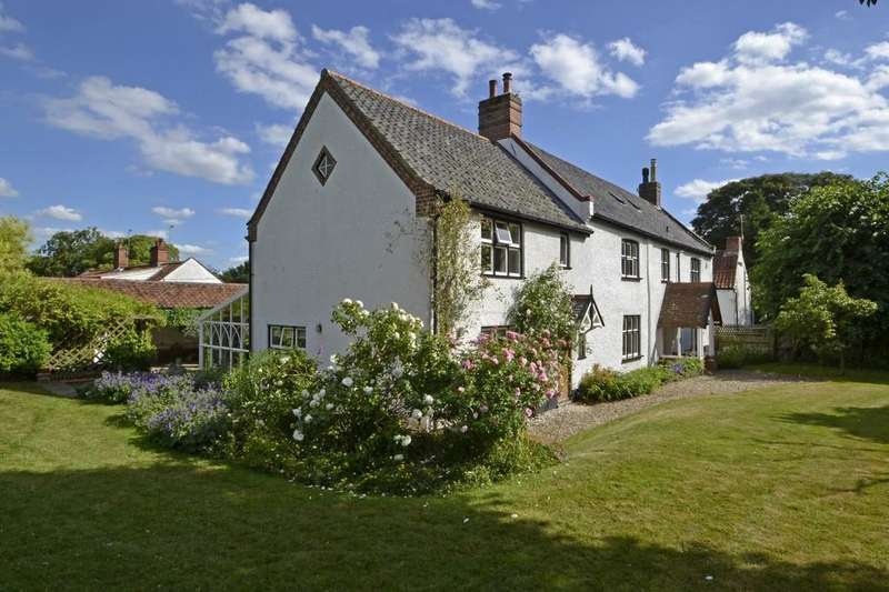 5 Bedrooms Detached House for sale in Taverham, Norwich, Norfolk