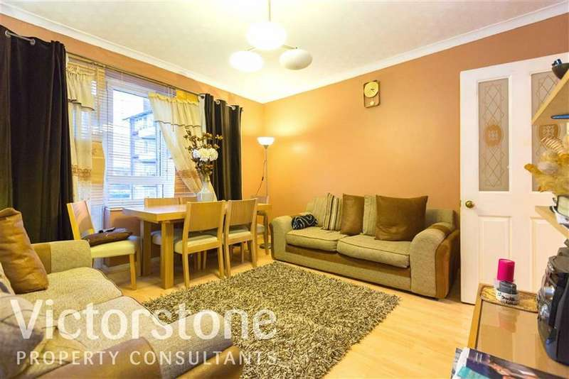 1 Bedroom Flat for sale in Cecilia Road, Dalston, London