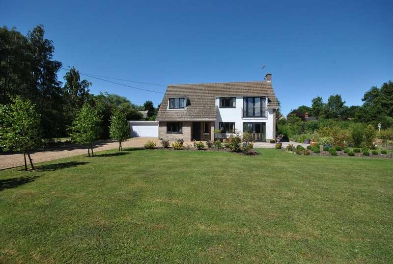 4 Bedrooms Detached House for sale in Walcot Green, Diss, Norfolk
