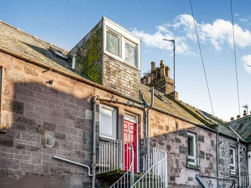 2 Bedrooms Flat for sale in Erskine Street, Montrose, DD10