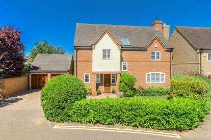 6 Bedrooms Detached House for sale in Southview, Great Barford, Bedford, Bedfordshire