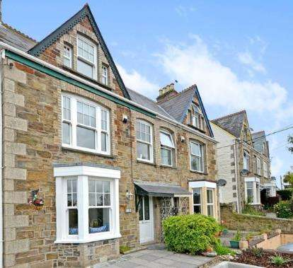 4 Bedrooms Semi Detached House for sale in Perranporth, Cornwall