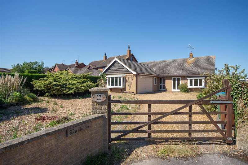 3 Bedrooms Detached Bungalow for sale in Leighton Road, Northall, Dunstable