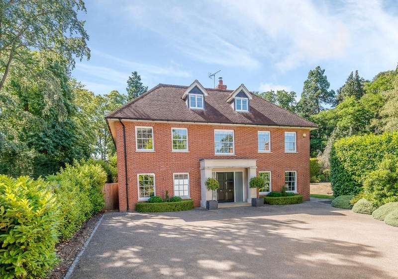 5 Bedrooms Detached House for sale in Station Road, Sunningdale