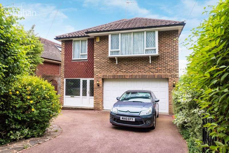 4 Bedrooms Detached House for sale in Surrenden Crescent, Brighton, BN1