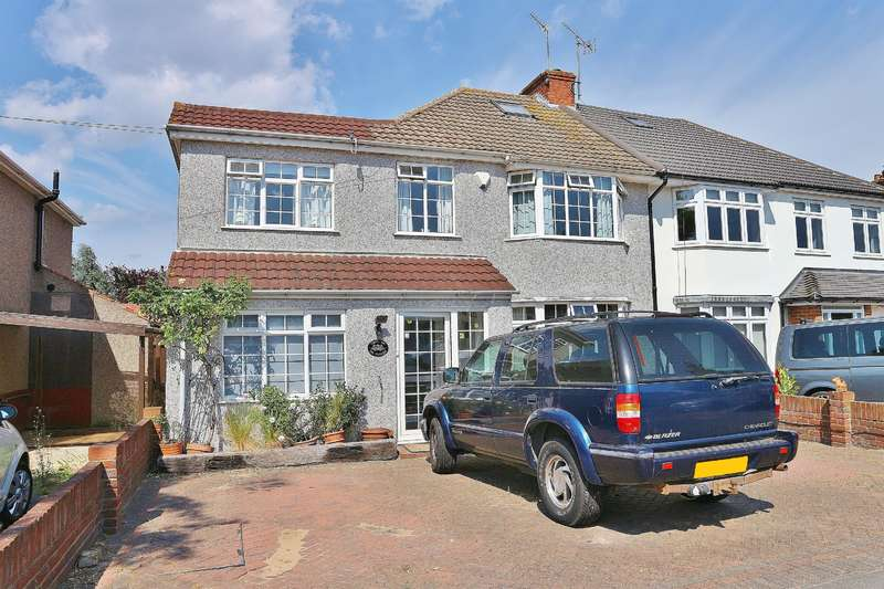 4 Bedrooms Semi Detached House for sale in Lyndhurst Road, Barnehurst, Kent, DA7 6DG