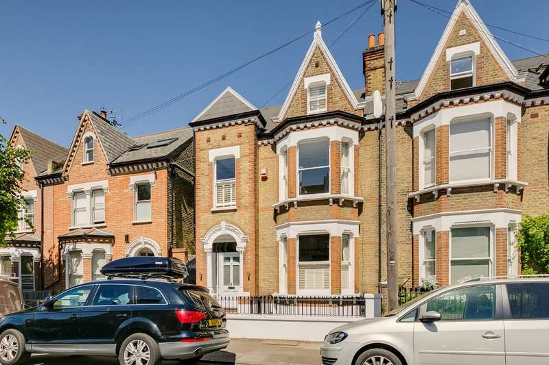5 Bedrooms Terraced House for sale in Hendrick Avenue, London