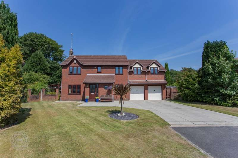 6 Bedrooms Detached House for sale in Meadway, Bury, BL9