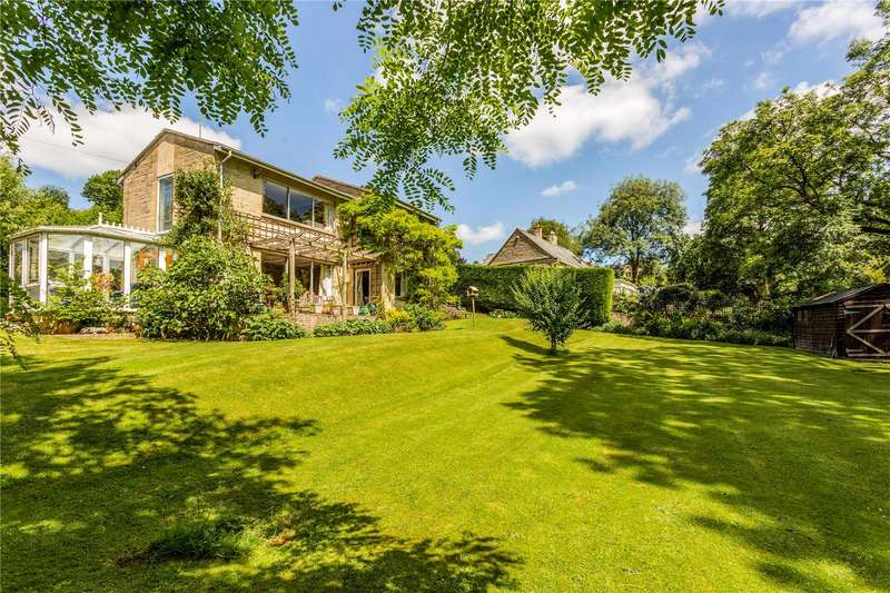 4 Bedrooms Detached House for sale in Sturmyes Road, France Lynch, Stroud, Gloucestershire, GL6