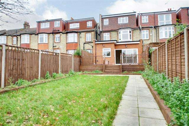 4 Bedrooms End Of Terrace House for sale in Hawthorn Avenue, Palmers Green