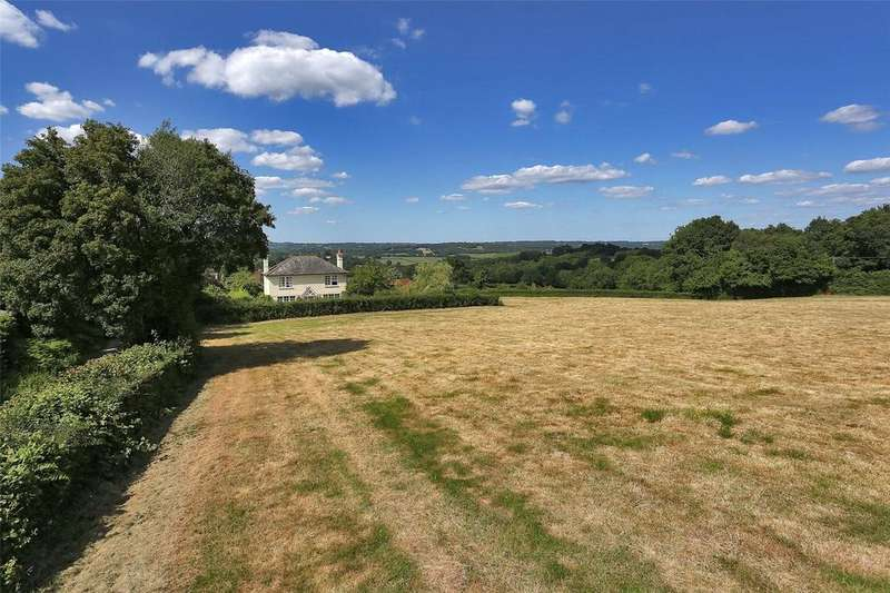 4 Bedrooms Detached House for sale in Broad Oak, Heathfield, East Sussex