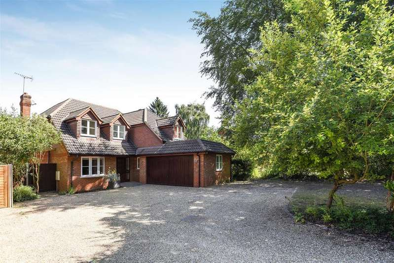 4 Bedrooms Detached House for sale in Nine Mile Ride, Finchampstead, Berkshire, RG40 4ND
