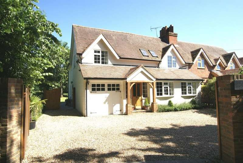 5 Bedrooms Cottage House for sale in Park Lane, Finchampstead