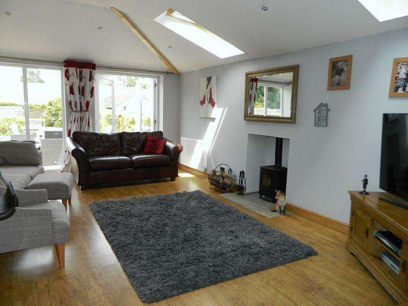 4 Bedrooms Semi Detached House for sale in Alsager Road, Sandbach