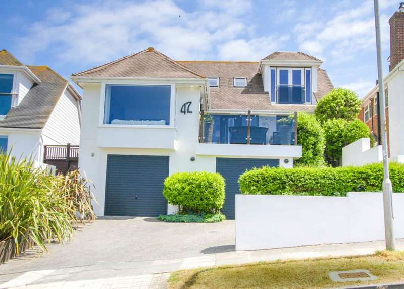 4 Bedrooms Detached House for sale in Arundel Drive East, Brighton