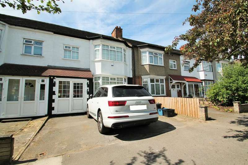 3 Bedrooms Terraced House for sale in ICKNIELD DRIVE, GANTS HILL