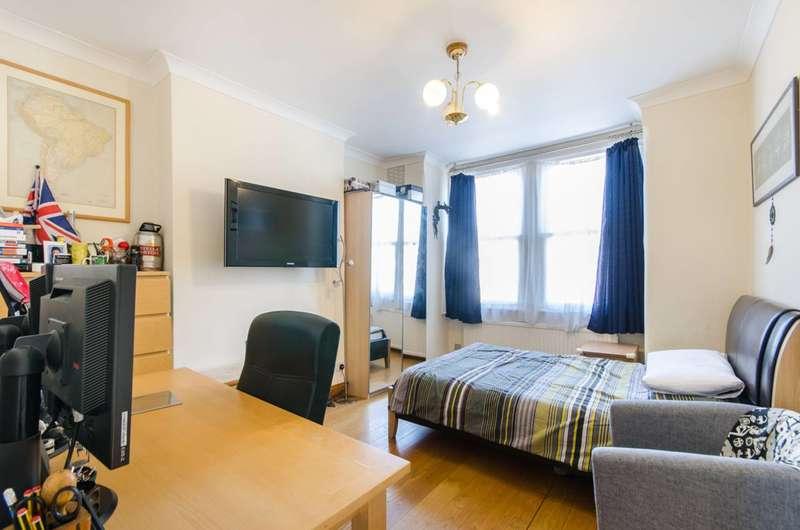 3 Bedrooms Maisonette Flat for sale in Deacon Road, Willesden Green, NW2