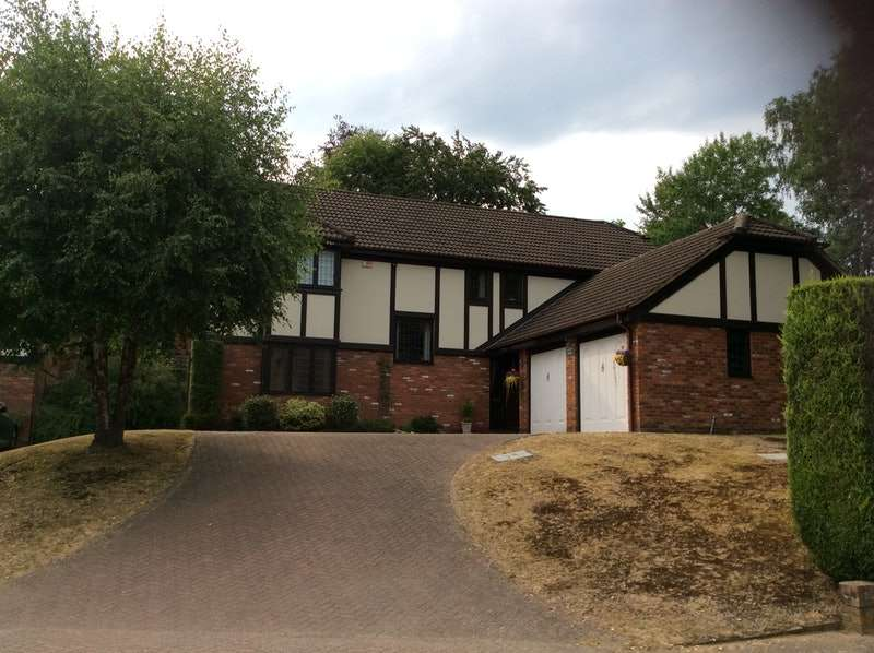 5 Bedrooms Detached House for sale in Kingsley Close, Crowthorne, Berkshire, RG45