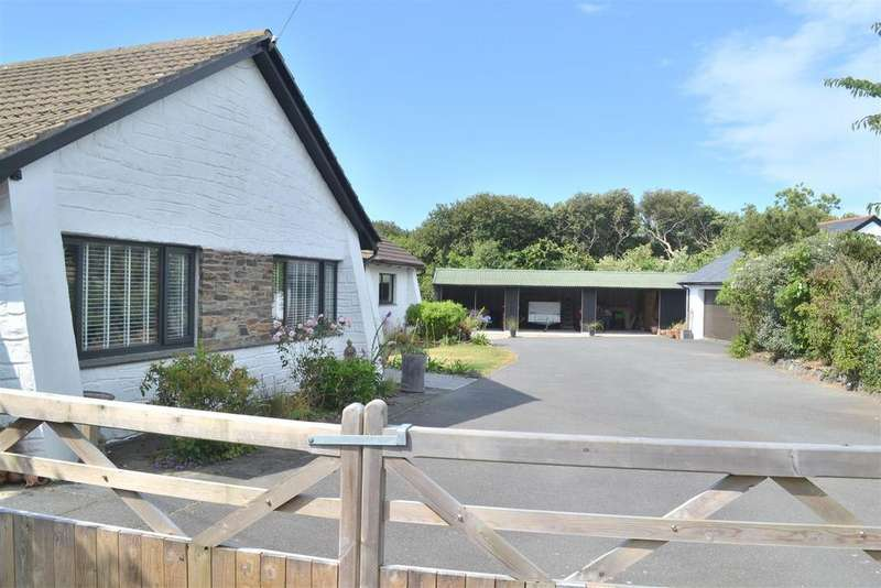 4 Bedrooms Detached Bungalow for sale in North Corner, Coverack, Helston