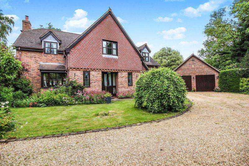 4 Bedrooms Detached House for sale in High Street, Yelling, St Neots