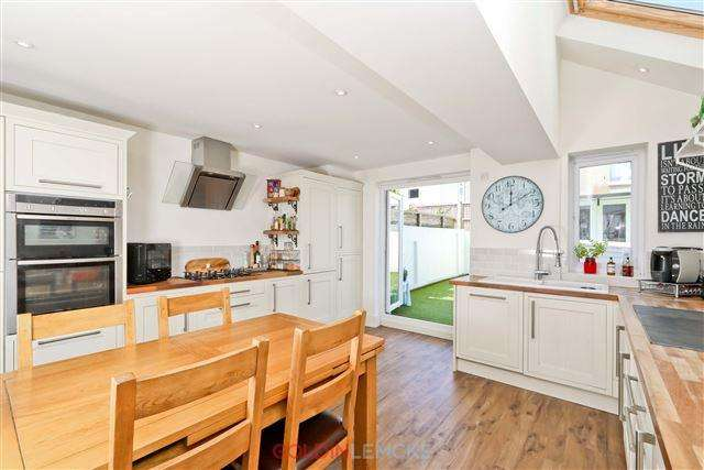5 Bedrooms Terraced House for sale in Lennox Road, Hove