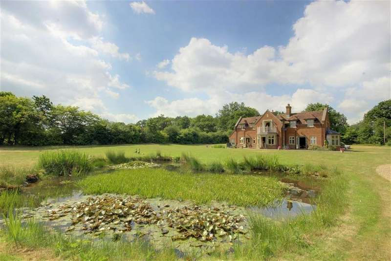 5 Bedrooms Detached House for sale in Tylers Causeway, Newgate Street, Hertfordshire