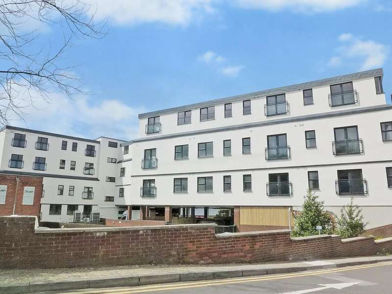 2 Bedrooms Apartment Flat for sale in Basingstoke, Hampshire
