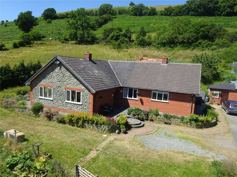 4 Bedrooms Farm Commercial for sale in Trefeglwys, Caersws, Powys