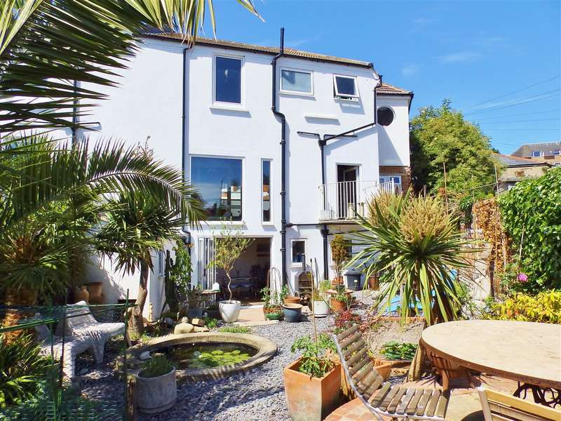 4 Bedrooms Property for sale in New Upperton Road, Eastbourne