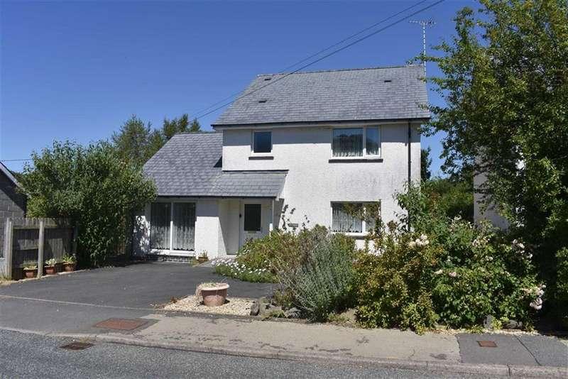 3 Bedrooms Detached House for sale in Heol Y Gorwydd, Llanddewi Brefi Tregaron