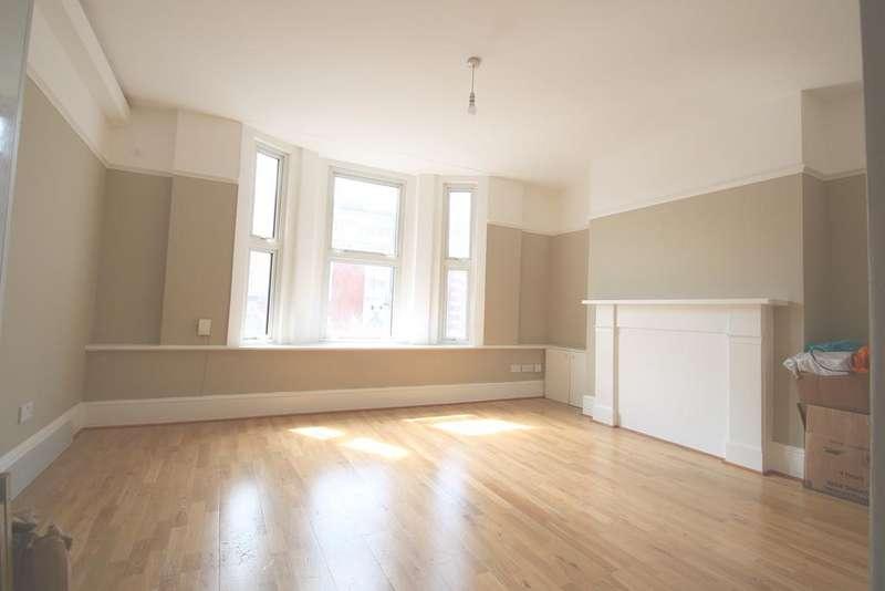 2 Bedrooms Flat for sale in Delmare Close, Brighton Terrace, Brixton, London SW9