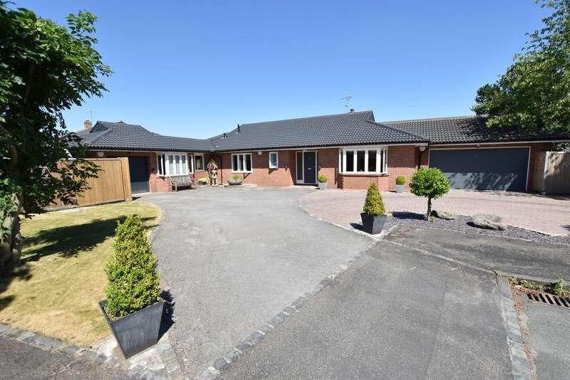 4 Bedrooms Detached Bungalow for sale in Berkley Drive, Belgrave Park