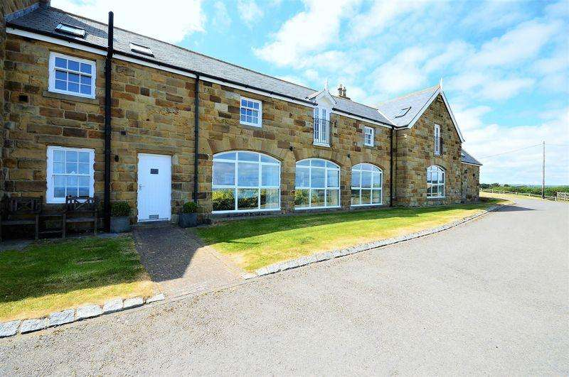 3 Bedrooms Barn Conversion Character Property for sale in Sandsend Road, Whitby