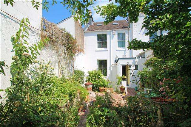 3 Bedrooms Terraced House for sale in Clermont Terrace, Brighton