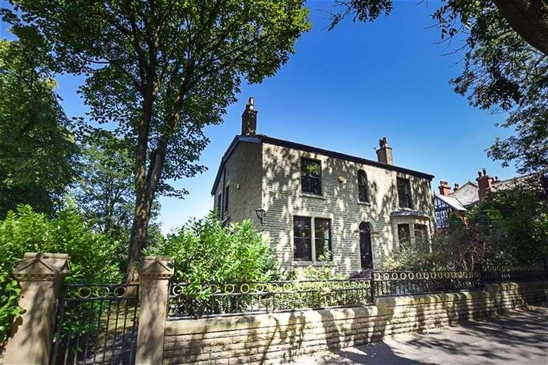 5 Bedrooms Detached House for sale in Mottram Rd, Stalybridge