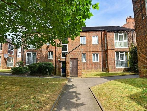 1 Bedroom Flat for sale in Diploma Court, East Finchley, N2