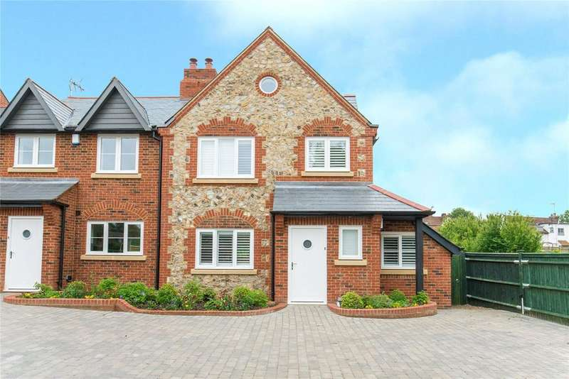 3 Bedrooms End Of Terrace House for sale in Chapel Croft, Chipperfield, Herfordshire, WD4