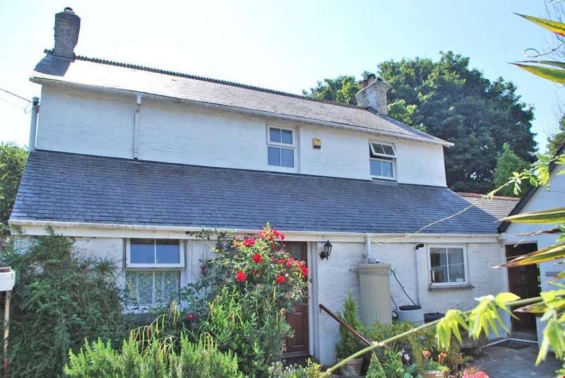 3 Bedrooms Detached House for sale in St Gluvias, Cornwall, TR10
