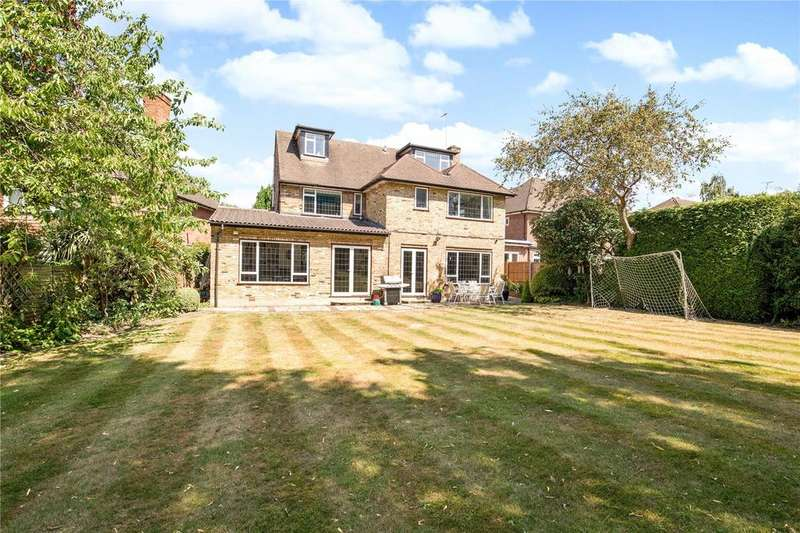 5 Bedrooms Detached House for sale in Eastglade, Pinner, Middlesex, HA5