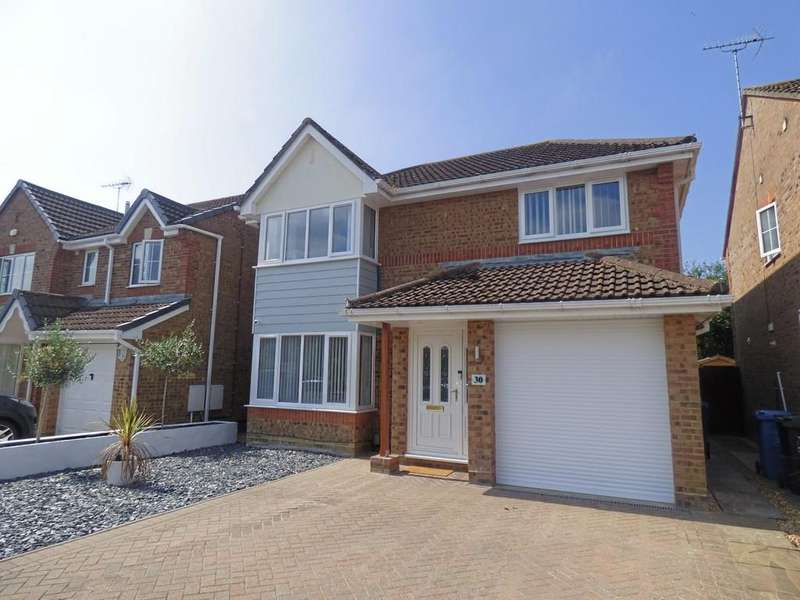 4 Bedrooms Detached House for sale in Holnest Road, Canford Heath