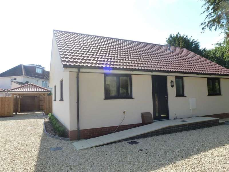 3 Bedrooms Bungalow for sale in Ash Hayes Drive, Nailsea Near Bristol, Nailsea