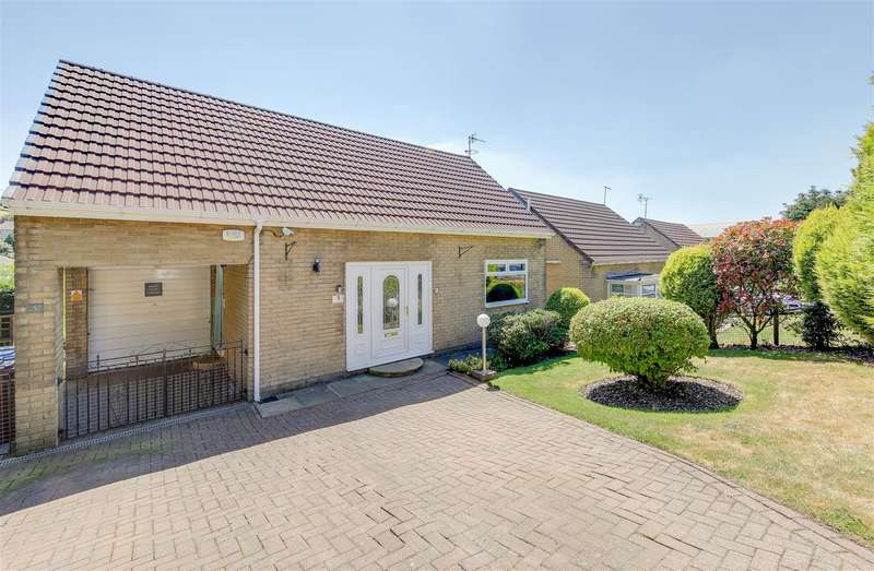3 Bedrooms Detached House for sale in Greave Crescent, Bacup, Lancashire