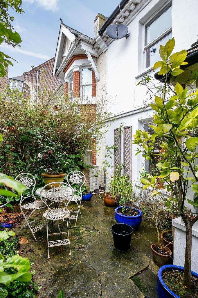 3 Bedrooms House for sale in Harrow Road, London
