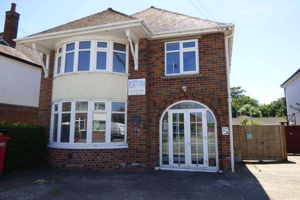 5 Bedrooms Detached House for sale in Saxby Avenue, Skegness, PE25