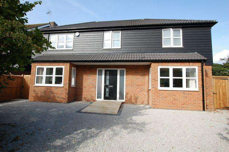 4 Bedrooms Detached House for sale in Hornsby Lane, Orsett Heath, Essex RM16 3AU
