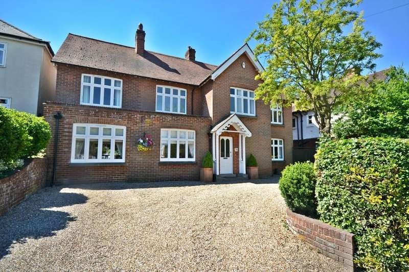 4 Bedrooms Detached House for sale in Borough Lane, Saffron Walden