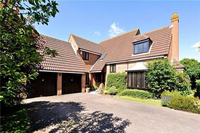 4 Bedrooms Detached House for sale in Rackstraw Grove, Old Farm Park, Milton Keynes, Buckinghamshire